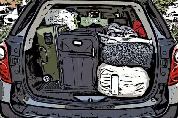 Maletero lleno de equipaje