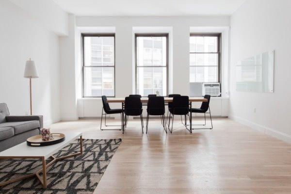 Decoración minimalista en el salón